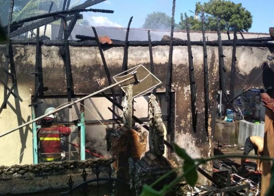 Nusabali.com - diduga-dipicu-api-dupa-rumah-permanen-terbakar
