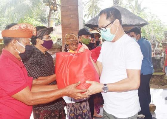 Nusabali.com - warga-terdampak-covid-19-dapat-bantuan-sembako