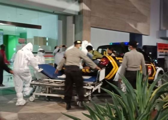 Nusabali.com - ibu-hamil-melahirkan-di-mobil-patroli-polisi