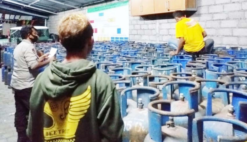 www.nusabali.com-pemilik-dan-sopir-700-tabung-gas-oplosan-tersangka
