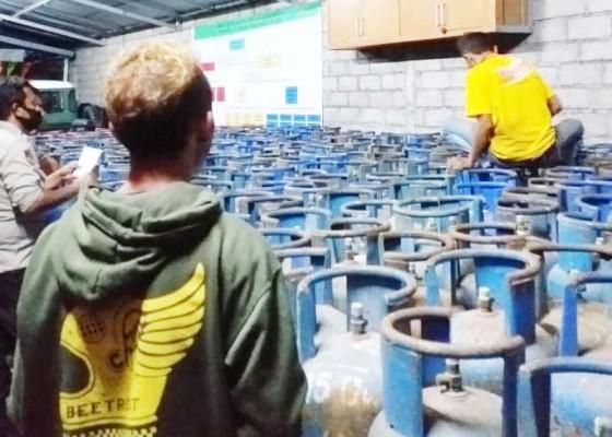 Nusabali.com - pemilik-dan-sopir-700-tabung-gas-oplosan-tersangka