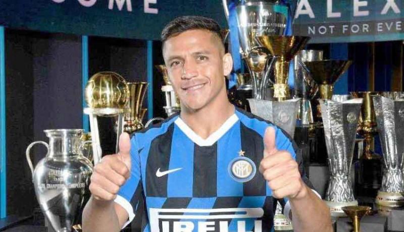 www.nusabali.com-dijual-ke-inter-satu-gol-sanchez-di-mu-rp-2274-m