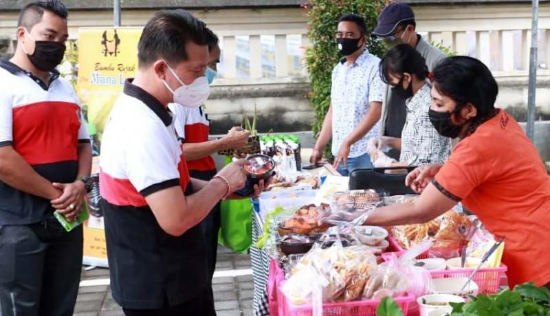 www.nusabali.com-warga-ramaikan-pasar-gotong-royong-krama-bali