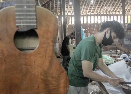 Nusabali.com - kerajinan-ukulele