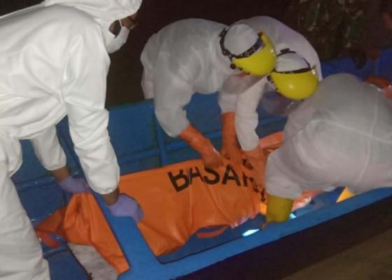Nusabali.com - nelayan-hilang-digulung-ombak-ditemukan-tewas-mengambang