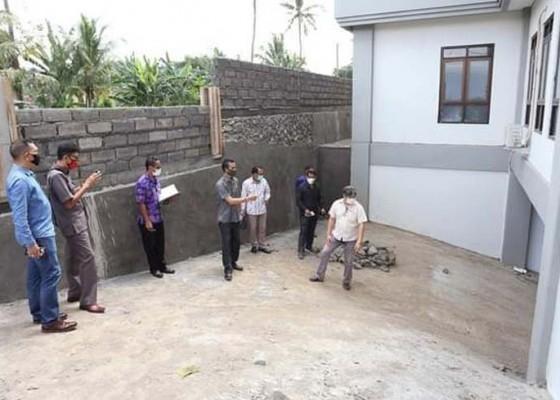Nusabali.com - dprd-soroti-akses-basement-puskesmas-banjarangkan-ii