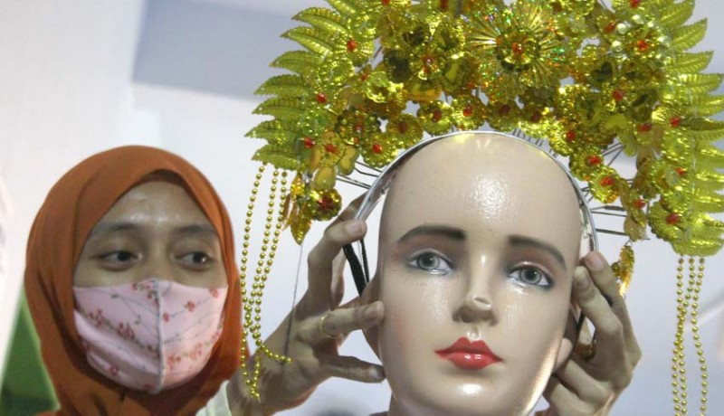 www.nusabali.com-bisnis-persewaan-kostum-sambut-hut-ri-ke-75