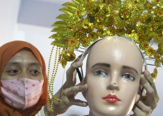 Nusabali.com - bisnis-persewaan-kostum-sambut-hut-ri-ke-75