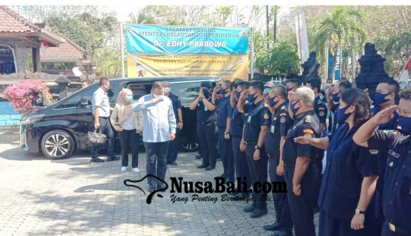 www.nusabali.com-cegah-illegal-fishing-ri-ajak-kerjasama-negara-asean