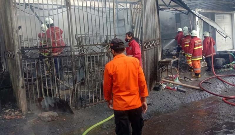 www.nusabali.com-diduga-korsleting-listrik-lima-kios-di-kuta-ludes-terbakar