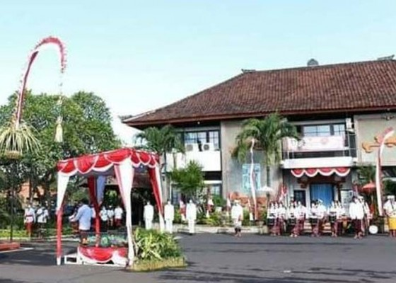 Nusabali.com - apel-hut-provinsi-bali-di-kantor-bupati