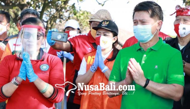 www.nusabali.com-bersama-relawan-covid-19-putri-koster-aksi-sosial-di-klungkung