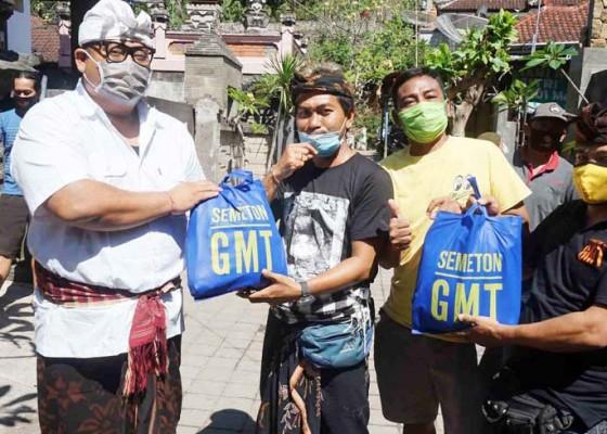 Nusabali.com - gmt-bantu-krama-padangbai-378-paket-sembako