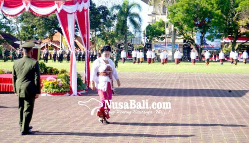 www.nusabali.com-bupati-mas-sumatri-pimpin-hut-ri