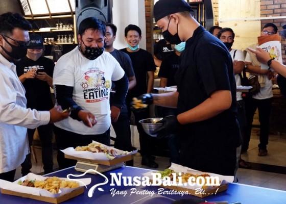 Nusabali.com - keseruan-mangsi-eating-competition-di-mangsi-grill-master