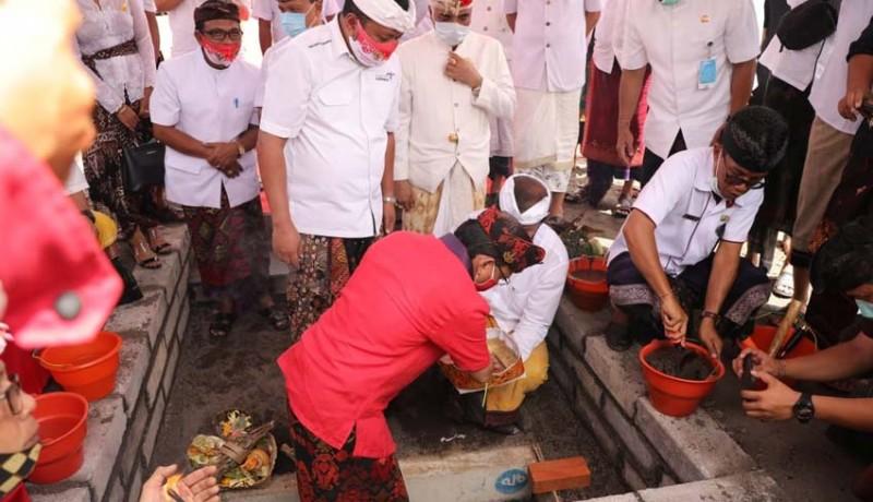 www.nusabali.com-gubernur-wayan-koster-resmikan-pasar-gianyar