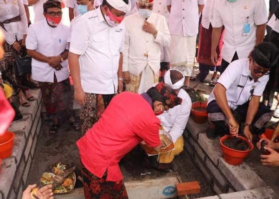 Nusabali.com - gubernur-wayan-koster-resmikan-pasar-gianyar