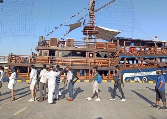 Nusabali.com - pulihkan-pariwisata-bali-pirate-dinner-cruise-sea-safari-kembali-beroperasi