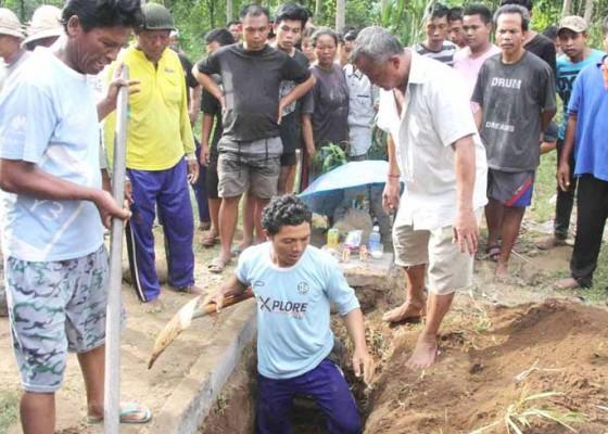 Nusabali.com - kuburan-terbongkar-keluarga-almarhum-resah