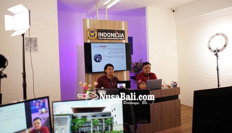 www.nusabali.com-pkkmb-stiki-indonesia-hadirkan-the-rise-of-millenials-in-era-industrial-revolution-40