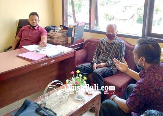 Nusabali.com - bendesa-adat-sekaan-kintamani-dilaporkan-warga