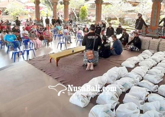 Nusabali.com - donatur-asing-sumbang-sembako