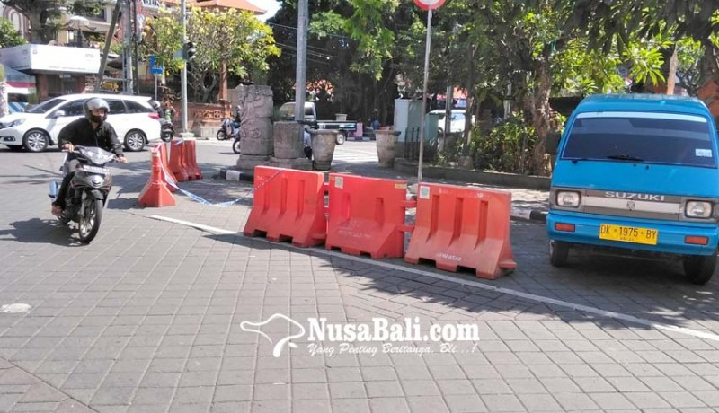 www.nusabali.com-cegah-kemacetan-pasang-road-barriers