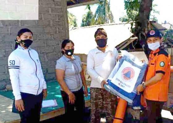Nusabali.com - bpbd-bantu-3-korban-kebakaran-rumah