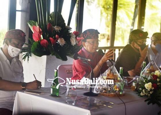 Nusabali.com - bertemu-di-puri-santrian-gubernur-koster-ingatkan-pengusaha-bali-jangan-saling-jegal