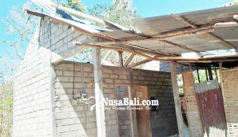 www.nusabali.com-puting-beliung-porak-porandakan-rumah-di-lokapaksa