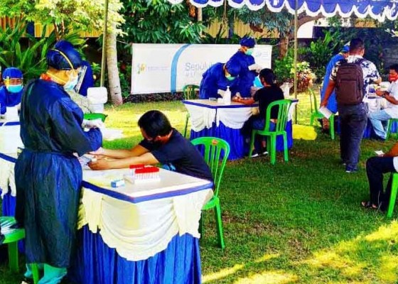 Nusabali.com - 458-petugas-sensus-di-buleleng-jalani-rapid-test