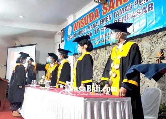 Nusabali.com - stiman-tp-45-denpasar-gelar-wisuda-di-tengah-pandemi-covid-19