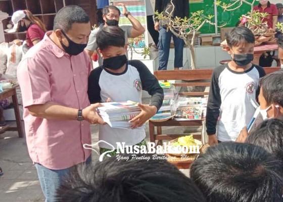 Nusabali.com - aksi-tukar-plastik-beras-makin-booming-di-gianyar