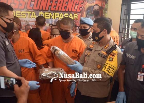 Nusabali.com - kos-bandar-digerebek-27-kg-ganja-diamankan