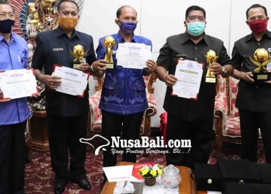Nusabali.com - bupati-agus-suradnyana-dinobatkan-sebagai-top-pembina-bumd-2020