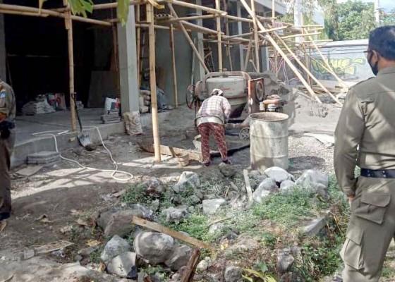 Nusabali.com - sebulan-satpol-pp-tertibkan-26-bangunan-melanggar