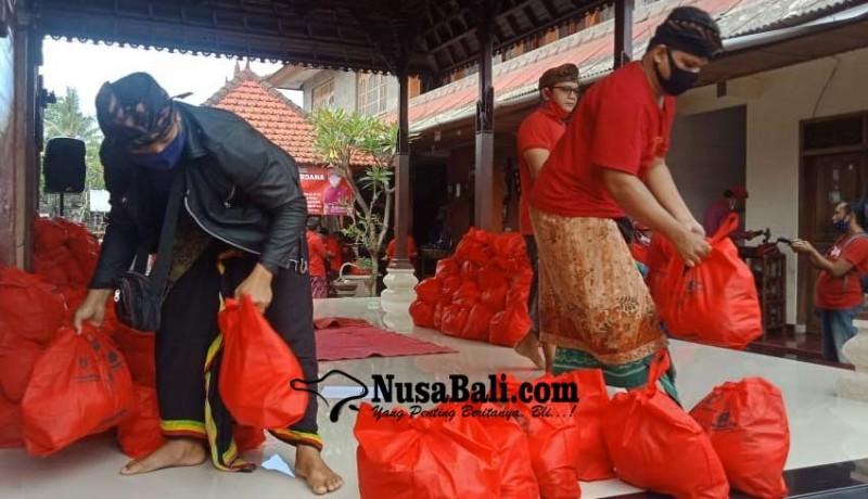 www.nusabali.com-struktur-partai-pdi-perjuangan-se-kecamatan-blahbatuh-digelontor-sembako