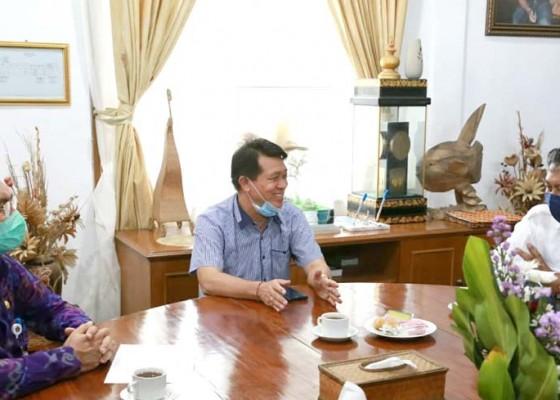 Nusabali.com - bupati-suwirta-berobsesi-wisata-nusa-penida-berkelas-dunia