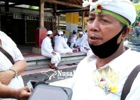 Nusabali.com - i-wayan-mendra-kembali-dikukuhkan-jadi-bendesa-adat-tuban