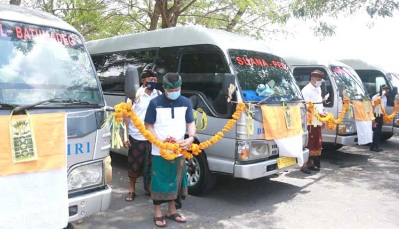 www.nusabali.com-8-unit-minibus-beroperasi-di-nusa-penida
