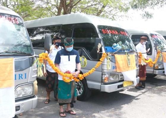 Nusabali.com - 8-unit-minibus-beroperasi-di-nusa-penida