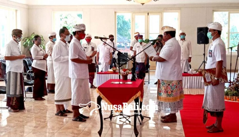 www.nusabali.com-bupati-buleleng-lantik-tiga-pejabat-eselon-ii