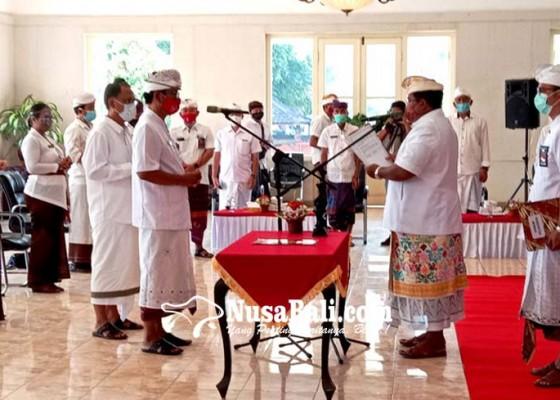 Nusabali.com - bupati-buleleng-lantik-tiga-pejabat-eselon-ii