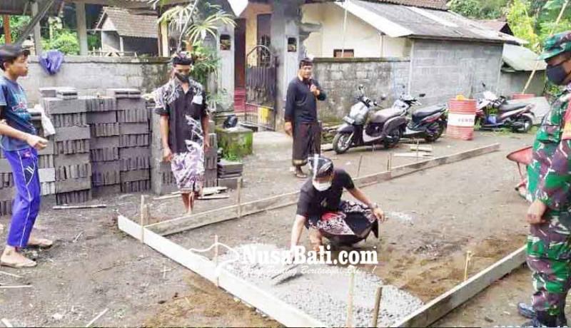 www.nusabali.com-peletakan-batu-pertama-rabat-beton-di-desa-muncan