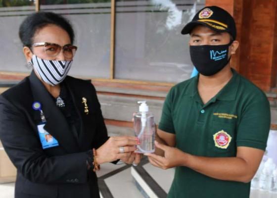 Nusabali.com - unud-produksi-ribuan-hand-sanitizer