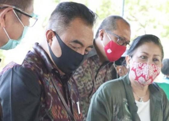 Nusabali.com - putri-koster-puji-kreativitas-perajin-bali-tengah-pandemi