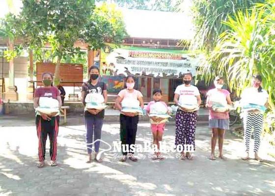 Nusabali.com - 75-siswa-yayasan-lascarya-dapat-bantuan-sembako