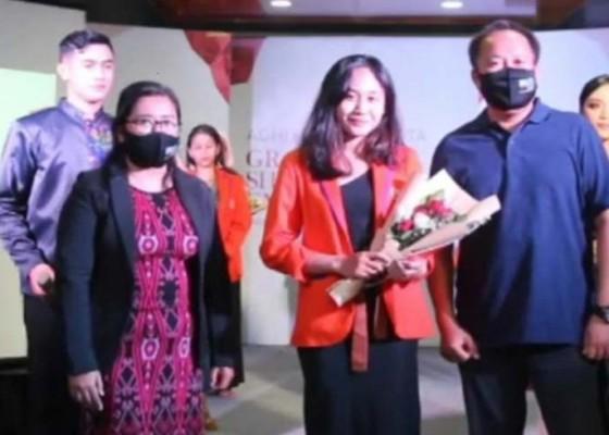 Nusabali.com - graduation-show-fashion-exhibition-jadi-ajang-pembuktian-mahasiswa-new-media-college