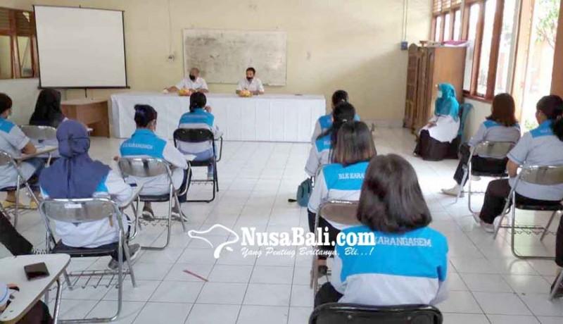 www.nusabali.com-16-alumnus-sma-pgri-lulus-pelatihan-kitchen