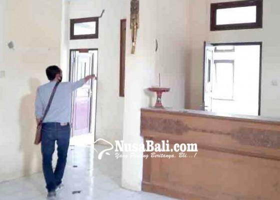 Nusabali.com - tembok-kantor-camat-tembuku-retak